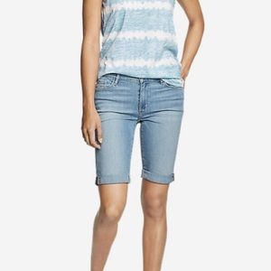 EDDIE BAUER | Slightly Curvy Bermuda Jean Shorts